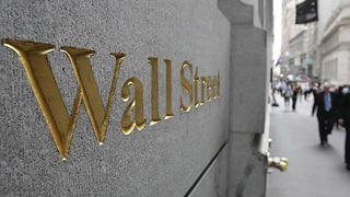 Πτώση στη Wall Street εν μέσω ανησυχιών για το shutdown