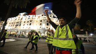 Το κίνημα των κίτρινων γιλέκων μείωσε τις αφίξεις των τουριστών στο Παρίσι