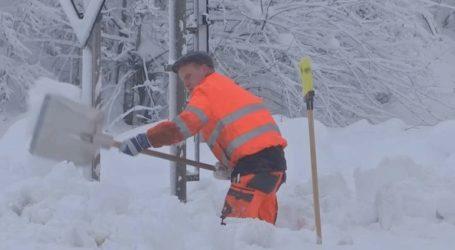 Αυστρία: Η χώρα «βουλιάζει» από τα χιόνια