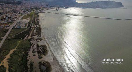Εντυπωσιάζει το φαινόμενο της άμπωτης στο Ναύπλιο