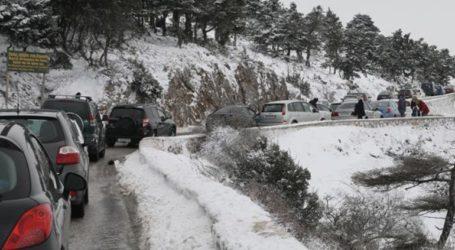 Πάρνηθα: Διακοπή κυκλοφορίας λόγω χιονόπτωσης