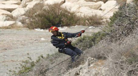 Ολοκληρώθηκε η επιχείρηση διάσωσης του κυνηγού στη Σκοτίνα