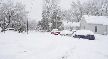 Χιονοθύελλα σαρώνει τις μεσοδυτικές Πολιτείες