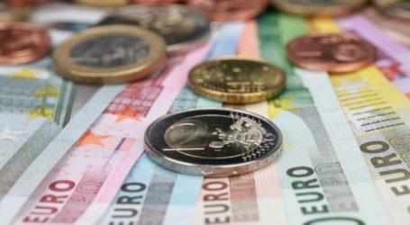 Oριακή άνοδος για το ευρώ