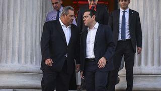 Η παραίτηση Καμμένου και η ψήφος εμπιστοσύνης στον Τσίπρα κυριαρχούν στον γαλλικό Τύπο