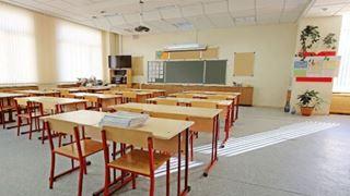 Καθηγήτρια ζητάει να ακυρωθεί η απόλυσή της