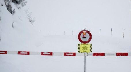 Αποκλεισμένο από τον υπόλοιπο κόσμο ένα χωριό εξαιτίας χιονοστιβάδας