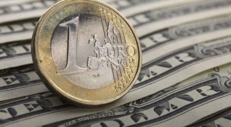 Το ευρώ υποχωρεί 0,46%, στα 1,1419 δολάρια