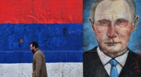 Χιλιάδες πολίτες της Σερβίας υποδέχονται τον Πούτιν