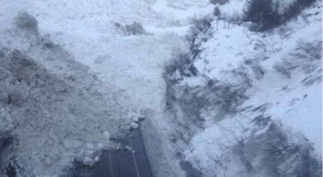 Τουλάχιστον πέντε νεκροί από χιονοστιβάδα
