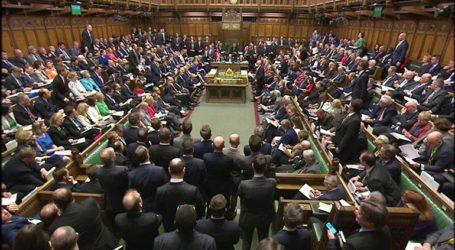 Οι βρετανοί ψηφοφόροι γυρνούν την πλάτη στο κόμμα των Εργατικών