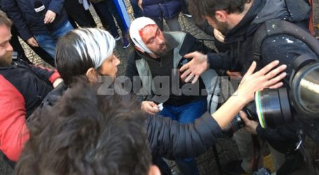 Διαδηλωτές στο Σύνταγμα επιτέθηκαν σε φωτορεπόρτερ, δύο τραυματίες