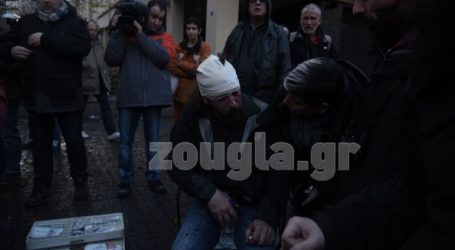 Άγριο κυνηγητό σε δημοσιογράφους και φωτορεπόρτερ από ομάδες διαδηλωτών