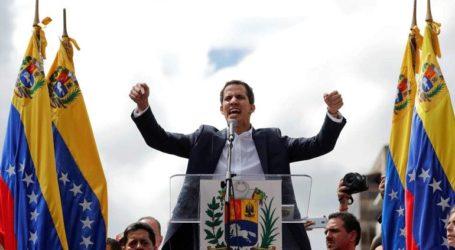 Η Ουάσινγκτον αναγνωρίζει «προσωρινό πρόεδρο της Βενεζουέλας» τον ηγέτη της αντιπολίτευσης Χουάν Γκουαϊντό