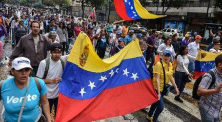 Η Μόσχα εισηγείται να μεσολαβήσει ανάμεσα στην κυβέρνηση και την αντιπολίτευση στη Βενεζουέλα