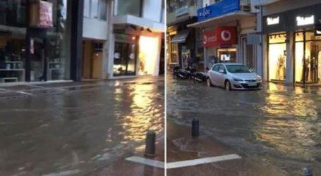 Σε… κανάλια μετατράπηκαν κεντρικοί δρόμοι της Καλαμάτας