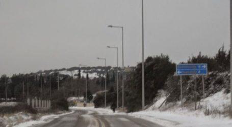 Διεκόπη η κυκλοφορία σε επαρχιακούς δρόμους λόγω χιονόπτωσης και παγετού