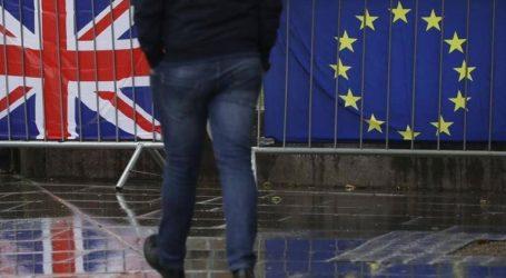Οι προσπάθειες να αποκλειστεί το σενάριο ενός no-deal Brexit διχάζουν το Συντηρητικό Κόμμα