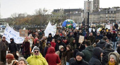 70.000 πολίτες διαδήλωσαν για την προστασία του περιβάλλοντος