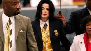 Η οικογένεια του Μάικλ Τζάκσον καταγγέλλει «δημόσιο λιντσάρισμα» μετά την προβολή ενός ντοκιμαντέρ