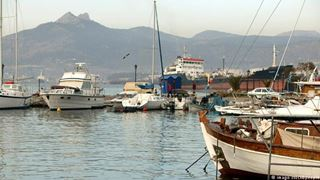 SZ: Ελευσίνα, «νεκροταφείο πλοίων»