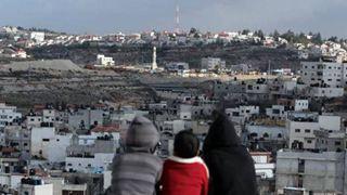 Διαδικτυακοί κολοσσοί του τουρισμού αντλούν κέρδη από «εγκλήματα πολέμου» στη Δυτική Όχθη