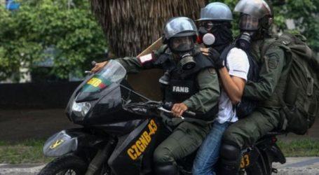 Συνελήφθησαν δύο δημοσιογράφοι από τη Χιλή όπως και δύο ντόπιοι
