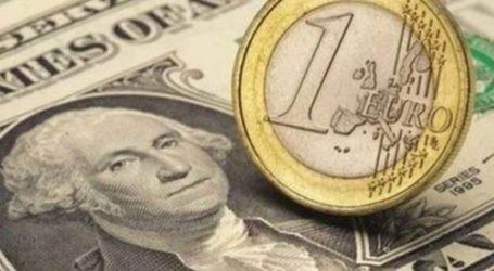 Το ευρώ υποχωρεί οριακά 0,04%, στα 1,1431 δολάρια