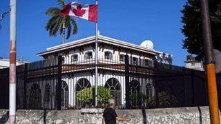 Η κυβέρνηση αποσύρει τους μισούς διπλωμάτες της πρεσβείας της χώρας στην Κούβα λόγω «μυστηριώδους ασθένειας»