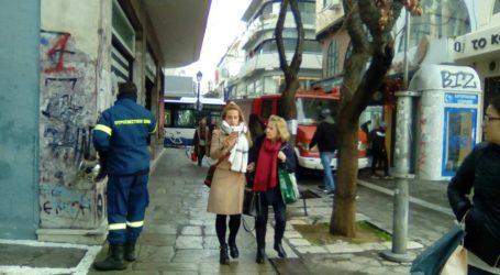 ΤΩΡΑ: Φωτιά σε εγκατάσταση της ΔΕΗ στο κέντρο του Βόλου [αποκλειστικές εικόνες]