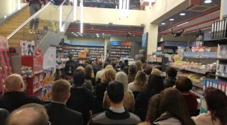 Πλήθος κόσμου στην παρουσίαση του βιβλίου της Β. Κόρδη στον Βόλο [εικόνες]
