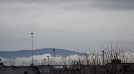 Καταχνιά πάνω από την πόλη της Λάρισας – Το φαινόμενο αποτύπωσε ο φωτογραφικός φακός (φωτο)
