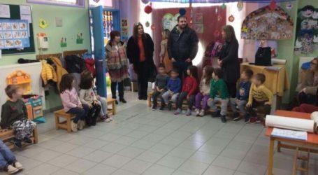Επίσκεψη σε δημοτικό και νηπιαγωγείο Μακρυχωρίου πραγματοποίησε το ΚΕΠ Υγείας του Δήμου Τεμπών