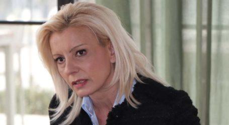 """Ξεσπαθώνει κατά Καλογιάννη η Ρ. Καραλαριώτου: «Δεν λέει κουβέντα για την """"ταμπακέρα""""»"""