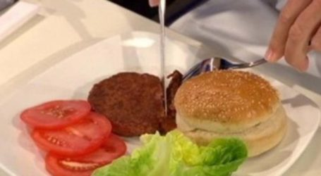 Πνίγηκε την ώρα που έτρωγε μπιφτέκι σε σουβλατζίδικο στο κέντρο της Λάρισας