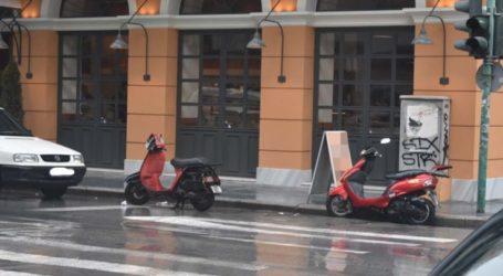 «Τσαμπουκάδες» στην άσφαλτο – Ανενόχλητοι και ατιμώρητοι καταλαμβάνουν θέσεις στάθμευσης στη Λάρισα (φωτο)