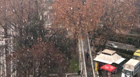 Χιονόπτωση στη Λάρισα: Ανοικτά μέχρι τις 7 το απόγευμα τα ΚΑΠΗ του δήμου