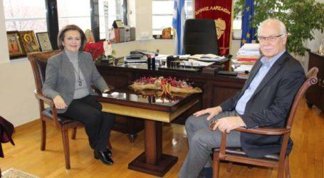 Στο δημαρχείο της Λάρισας η υφυπουργός Εσωτερικών Μαρίνα Χρυσοβελώνη