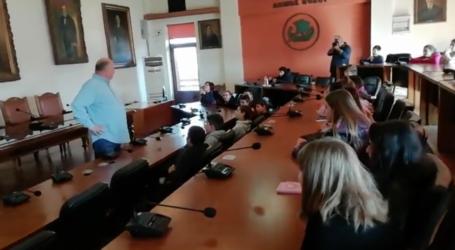 Μαθητές του Βόλου επισκέφθηκαν το Δημαρχείο της πόλης