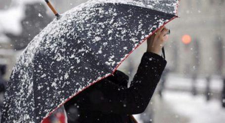 ΤΩΡΑ: Χιονόπτωση και μέσα στην πόλη του Βόλου
