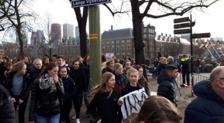 Χιλιάδες μαθητές διαδήλωσαν για το κλίμα