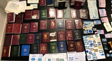 Εξαρθρώθηκε εγκληματική οργάνωση πλαστογραφίας και εμπορίας ταξιδιωτικών εγγράφων