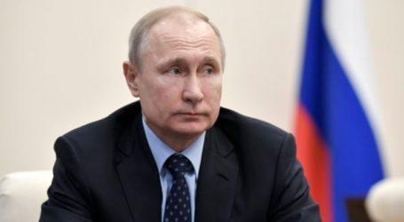 Ο Πούτιν δηλώνει ότι η Ρωσία αναστέλλει τη Συνθήκη INF