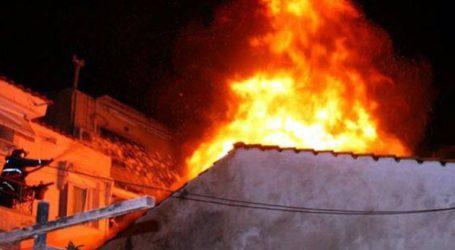 Πυρκαγιά σε στέγη σπιτιού στον Τύρναβο