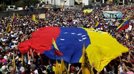 Η Βενεζουέλα «επανεξετάζει τις διμερείς σχέσεις» με τις χώρες της ΕΕ που αναγνώρισαν τον Γκουαϊδό