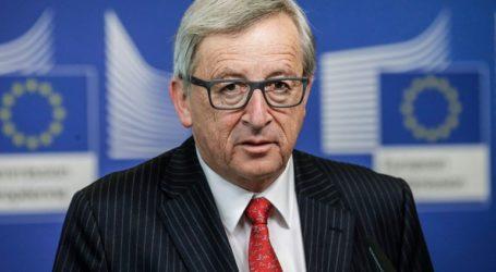 Ο Γιούνκερ απορρίπτει τους ισχυρισμούς ότι η ΕΕ μπλοκάρει χρήσιμες συγχωνεύσεις εταιρειών