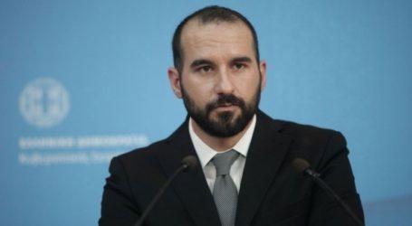 «Δεν είμαστε και υποχρεωμένοι να παρακολουθούμε τις λεκτικές, πολιτικές και θεσμικές απρέπειες του κ. Μητσοτάκη»