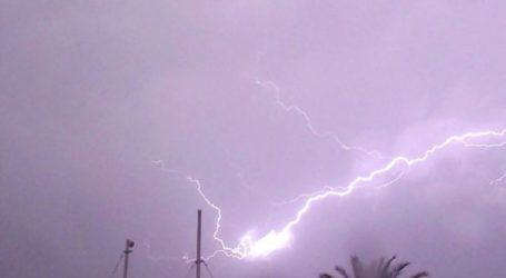 Προβλήματα στην ηλεκτροδότηση σε περιοχές των Χανίων από τους κεραυνούς