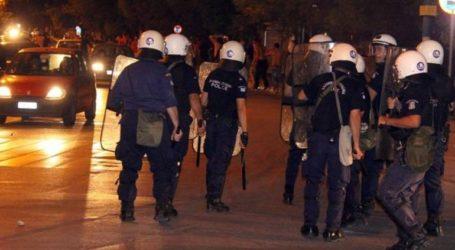 Χούλιγκαν επιτέθηκαν με ρόπαλα και φωτοβολίδες σε σύνδεσμο του ΠΑΟΚ στην Πάτρα