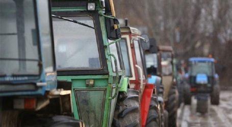 Αγρότες της Αιγιάλειας απέκλεισαν στο ύψος του Αιγίου το ρεύμα κυκλοφορίας προς Αθήνα στην Αθηνών – Πατρών